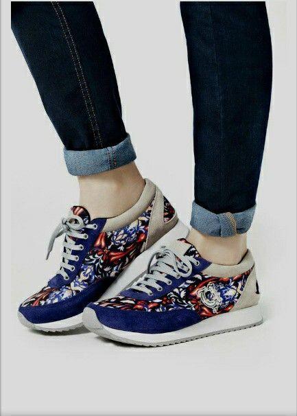 Me encanta el azul en zapatos
