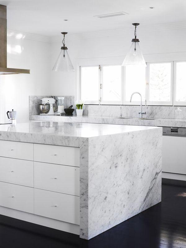 las cocinas blancas son las preferidas por su aspecto limpio y luminosidad tambin entregan elegancia y estilo aqu te mostramos las mejores 30 de ellas - Marmol Cocina