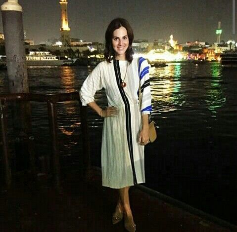 LOOK TODO VINTAGE Vestido e colar de brecho + bolsa- Celine + sapato- Valentino