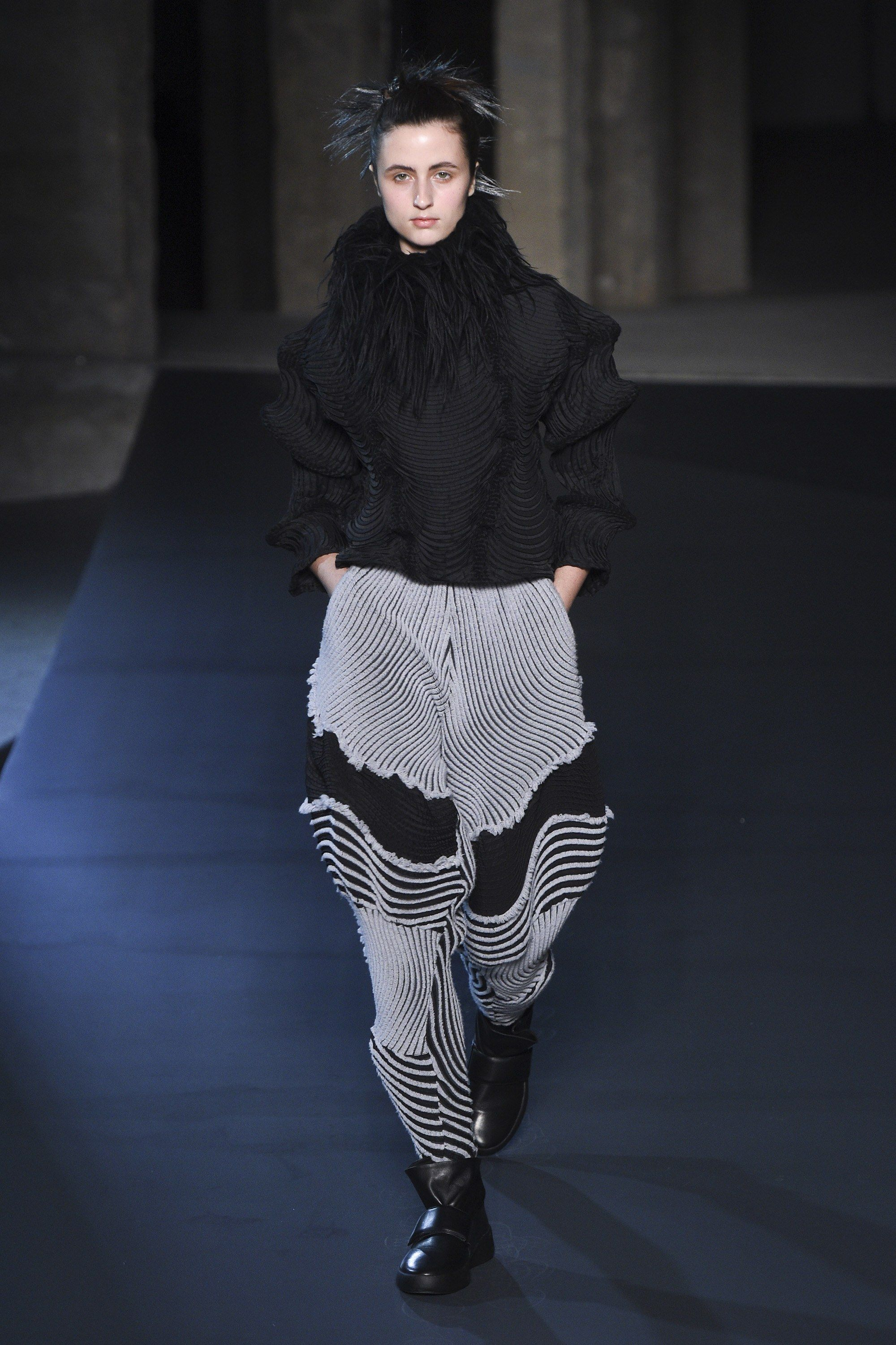 c89be74c86e4 Issey Miyake Fall 2018 Ready-to-Wear Collection - Vogue