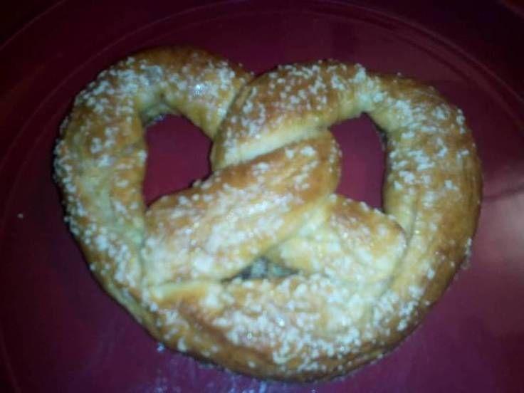 "Homemade Soft Pretzels! ""Fun to make, and eat!""  @allthecooks #recipe #pretzels #bread #snacks #appetizer #pretzel ❤ DiamondB! Pinned ❤"