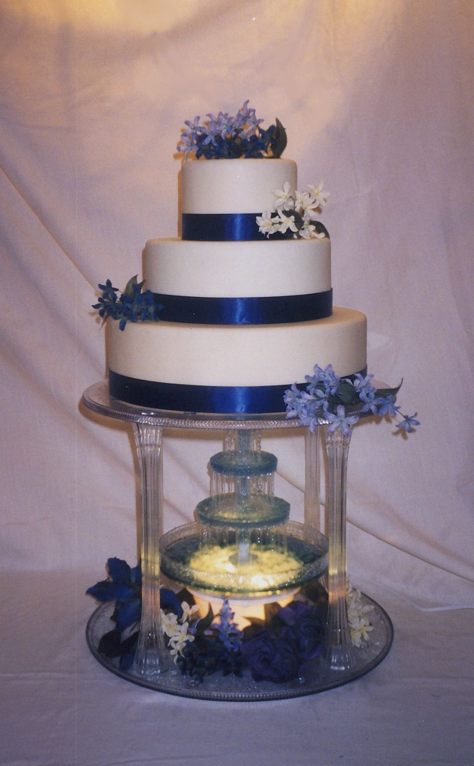 water fountain wedding cake wedding cakes with fountains original embed wedding 21676