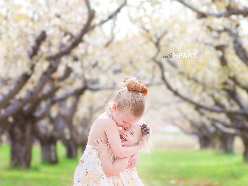PHOTO TIP: PLANNING YOUR FAMILY'S SPRING PICTURES.  Ideas of where to go, complete outfit ideas, and advice from pro Veronica Reeve.