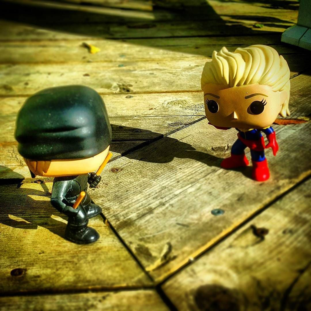 Would you call this a ONE-SIGHTED fight? Heh heh heh ? I'm horrible lol     #funkopop #daredevil #captainmarvel #marvel #defenders #avengers #throwdown #netflix #comics #marvelcomics #toyart #cashmeoutsidehowboutdat #badpuns #comic2canvas #instagood #martialarts #superpowers #superheroes #hellskitchen #montreal #fights #funko