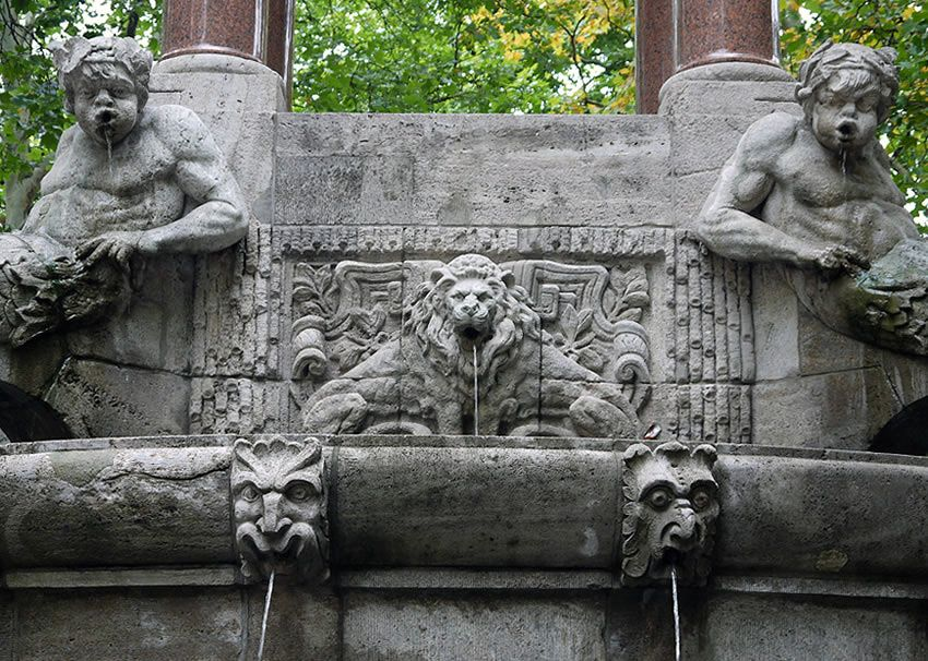 A Wonderful Berlin Fountain With A Special Secret Hindemithplatz