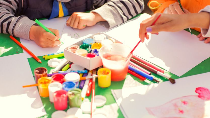 Four crafts that will keep your kids busy during the final