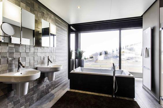 Philippe Starck Wastafel : Badkamer door beerens interieurs. houten tegels en vloer door