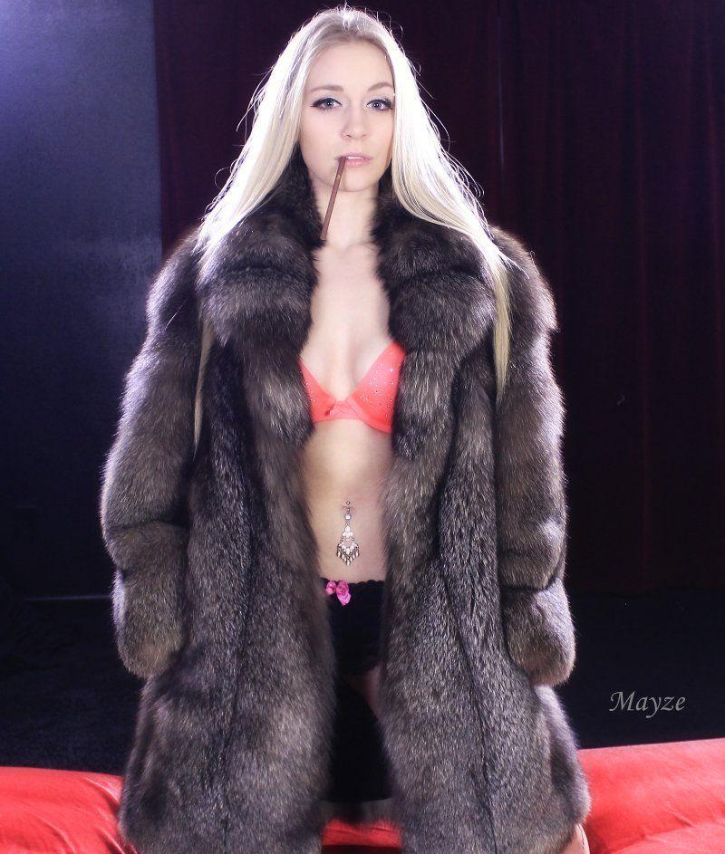 Mature women getting creampie fucked