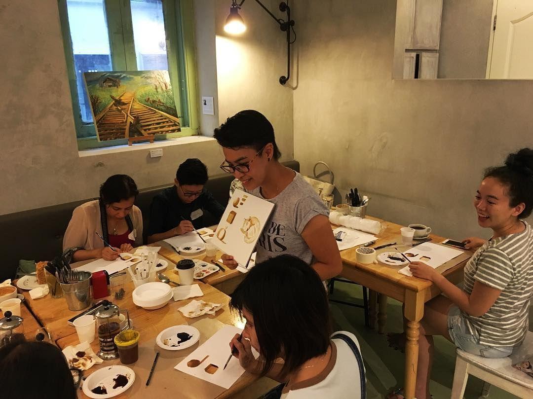 "Artist friend @inkycatstudio leading ""Passage: Memories"" a coffee art workshop as part of our exhibition ""Passage"" at @SPRMRKT. by penguingirl_art"