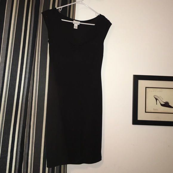 Bunching of dress in black