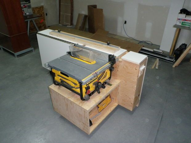 Tablesaw Outfeed Support Workstation With Aux Fence