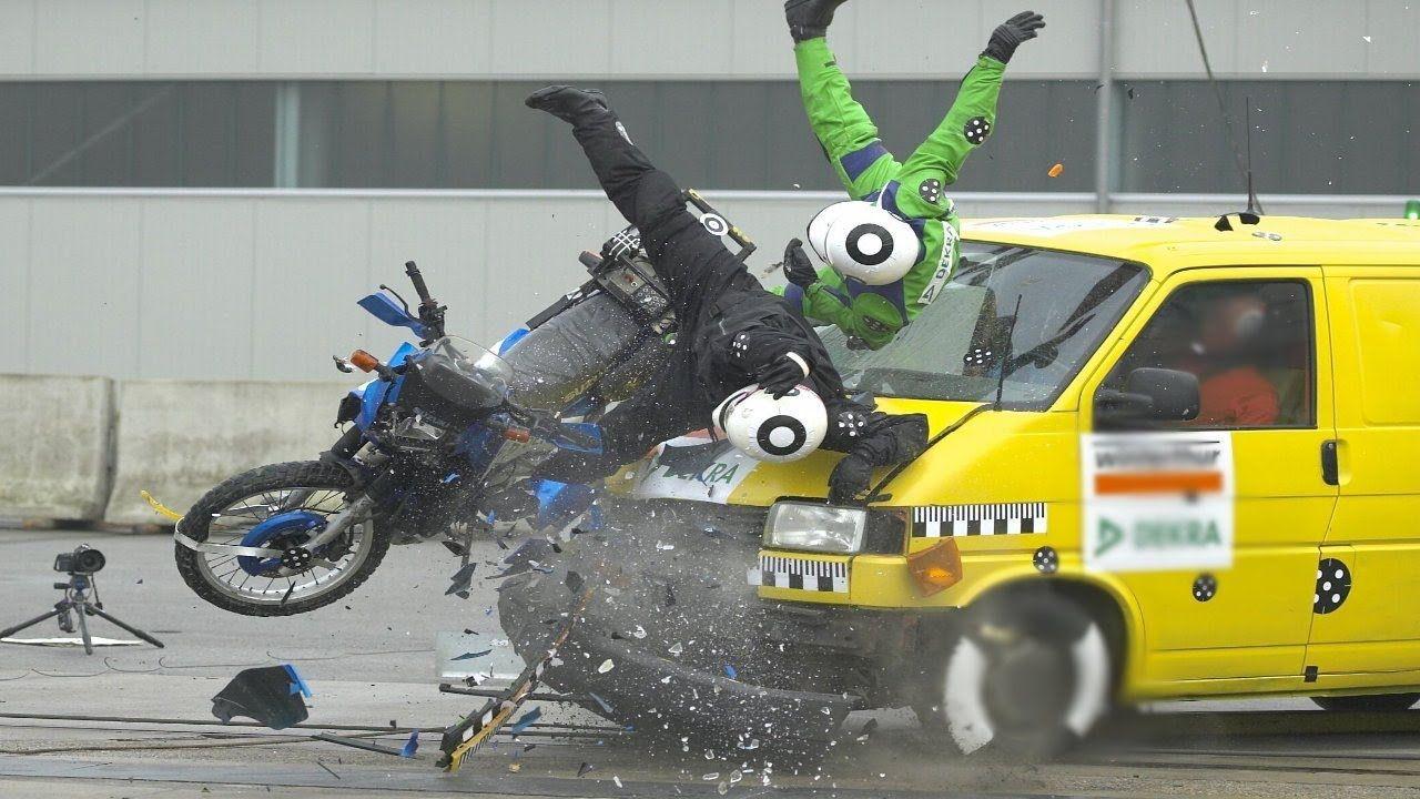 Amazing Motor Crashing | Motorbike insurance, Car crash ...