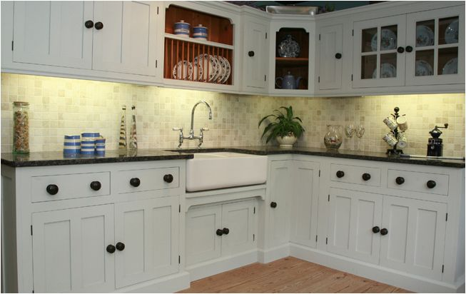 Some might say it's old fashioned ,I like these type of kitchens like mum & dad's but with a modern edge tech .