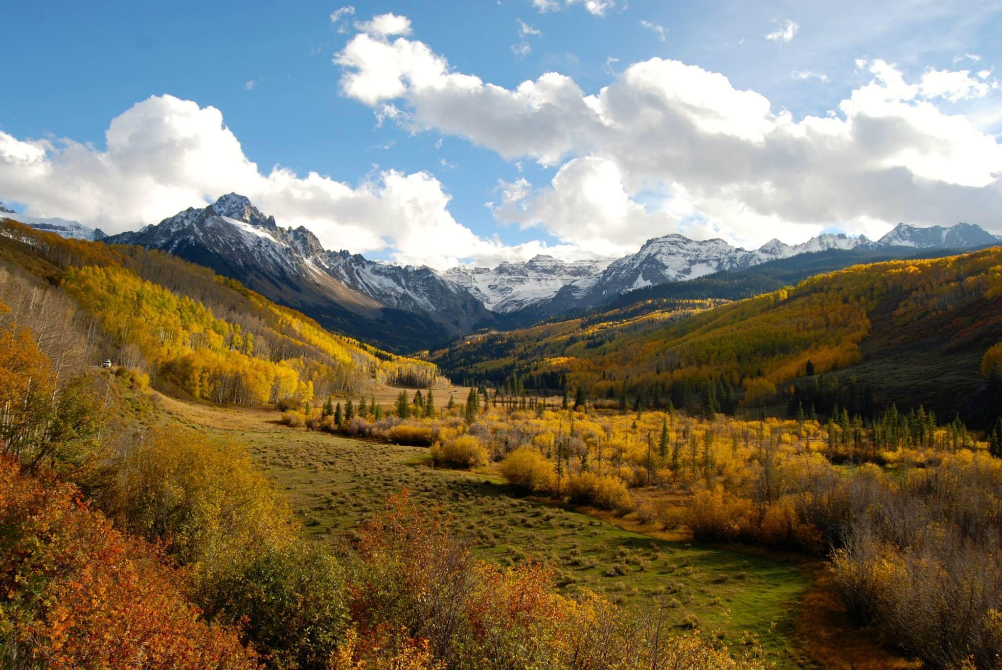 Mt. Sneffels San Juan Range Colorado. Fall Colors. County Road 7. (2048 x 1371)