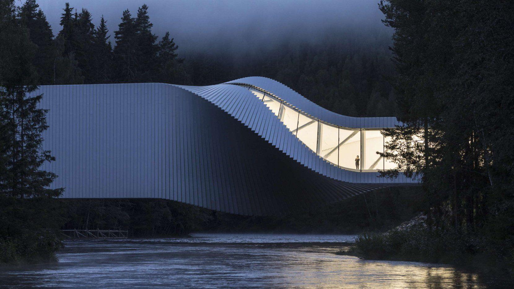 Design Bank Twist.Architecture With A Twist Big S Sculptural Bridge In The