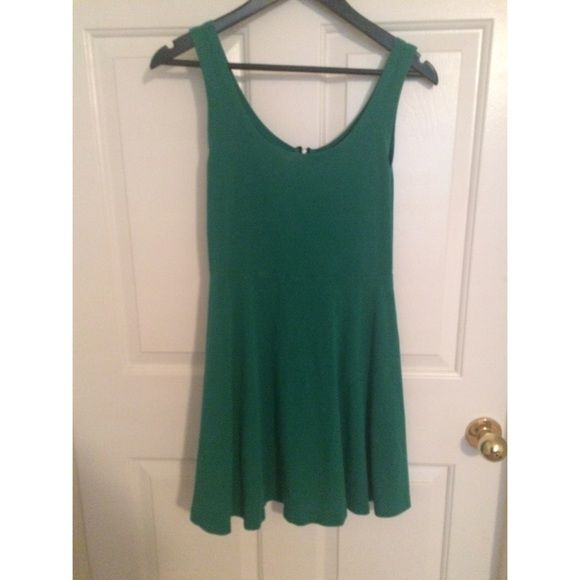 Express green dress Can be casual or dressed up Express Dresses Mini