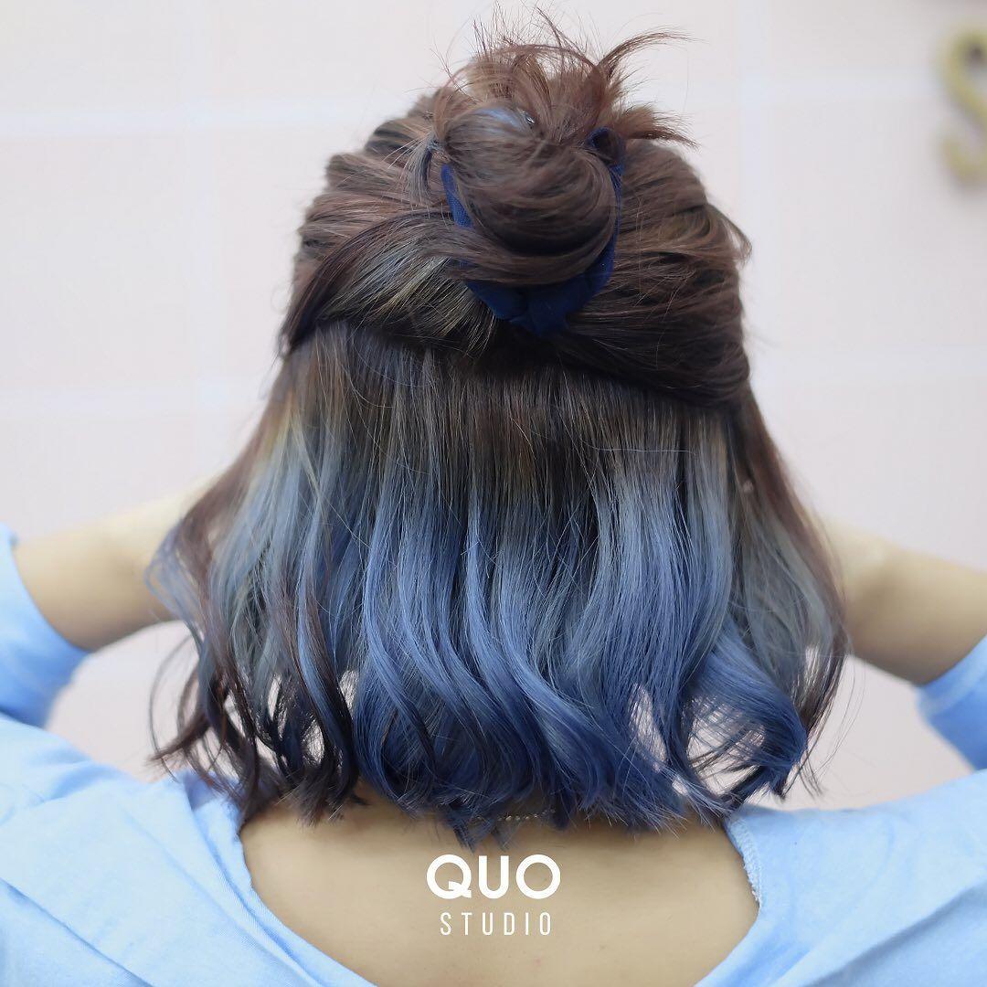 Blobar On Instagram Peek A Boo Hair Gemes Banget Gaksi Birunya Matching Sama Baju Lagi Unch Gak Ke Festival Tapi Rambutnya Ala2 Festival Bol