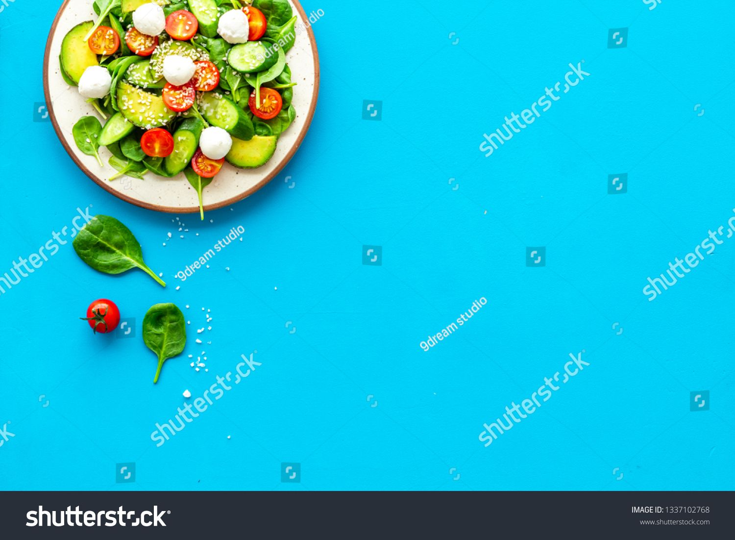 Healthy Lunch Fresh Vegetable Salad On Blue Background Top View Copy Space Ad Ad Vegetable Salad Fresh Healthy Fresh Vegetables Healthy Lunch Healthy