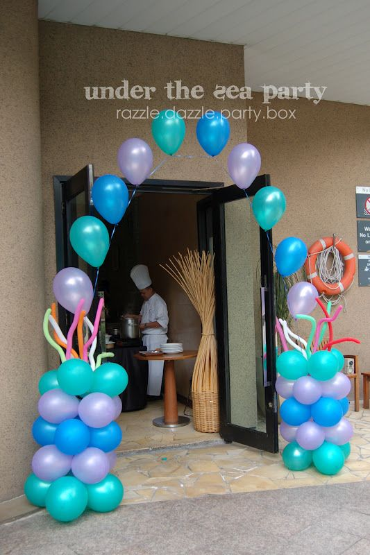 Super easy balloon arch. DIY tutorial for single balloon arch here - http://www.alleventsadviser.com/plan/decorations/how-to-build-a-balloon-arch/