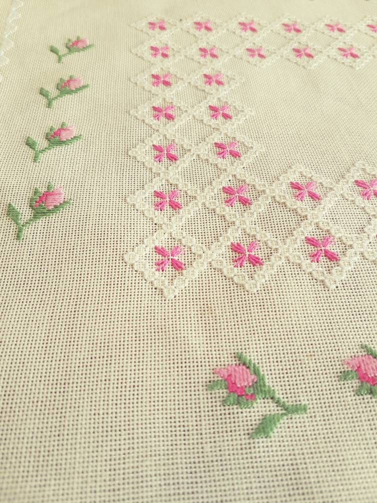 Lovely floral / 13 1/2\