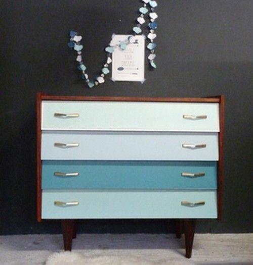 Commode vintage en d grad de bleu ars ne meubles et - Bleu vintage peinture ...