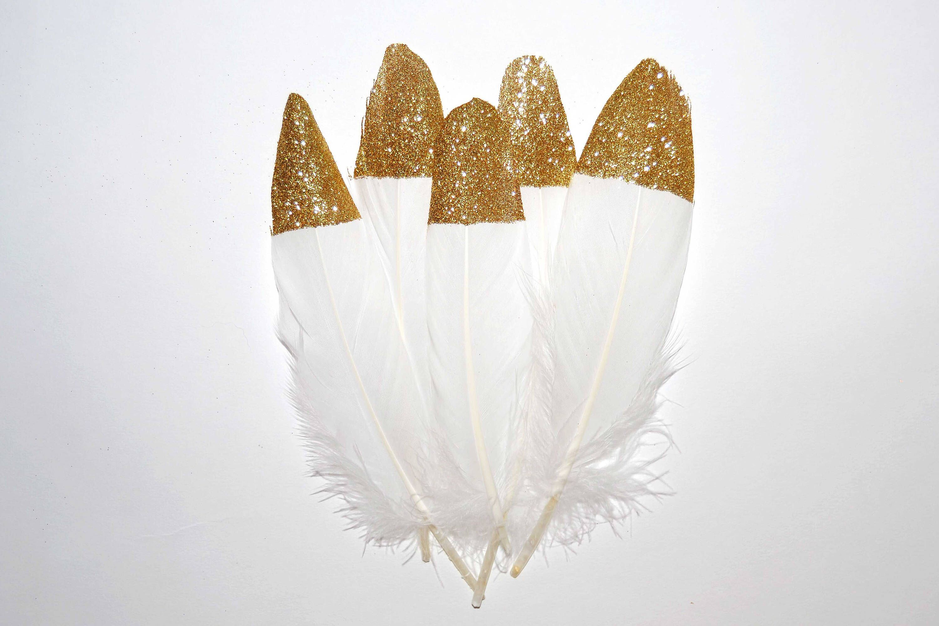 "decor Large Gold Glitter Tipped White Feathers 6-8/"" Great for weddings crafts"