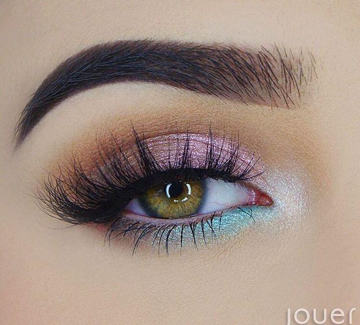 Mermaid eyes #makeup #beauty - #beauty #Eyes #makeup #Mermaid #glittereyemakeup