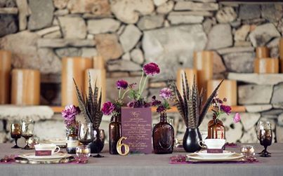 Purple and gold  Shop Feathers: http://bit.ly/1rGW568 Shop Bottles: http://bit.ly/1nJSYN8  Photo via http://bit.ly/1n4mI54