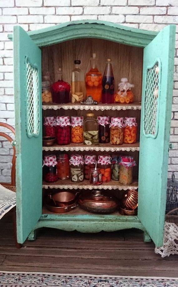 Reallistic Dollhouse miniature jars of jam 112