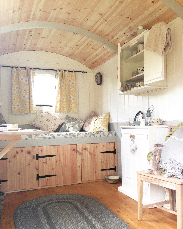 Hut Design: Shepherds Hut, Beach Hut Interior
