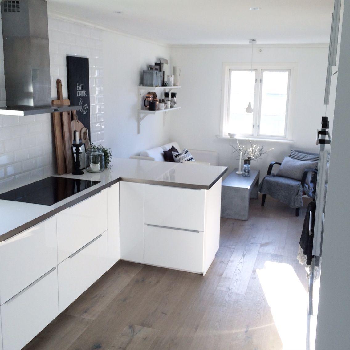 My kitchen | ○ k i t c h e n | Pinterest | weiße Küchen, Holzboden ...