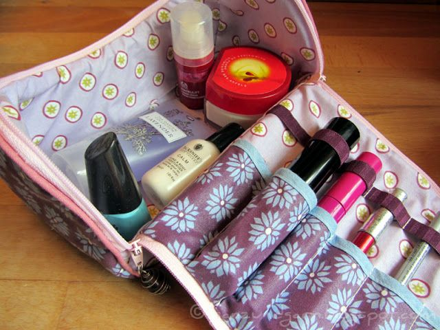 Full and yarn: Cosmetic Bag