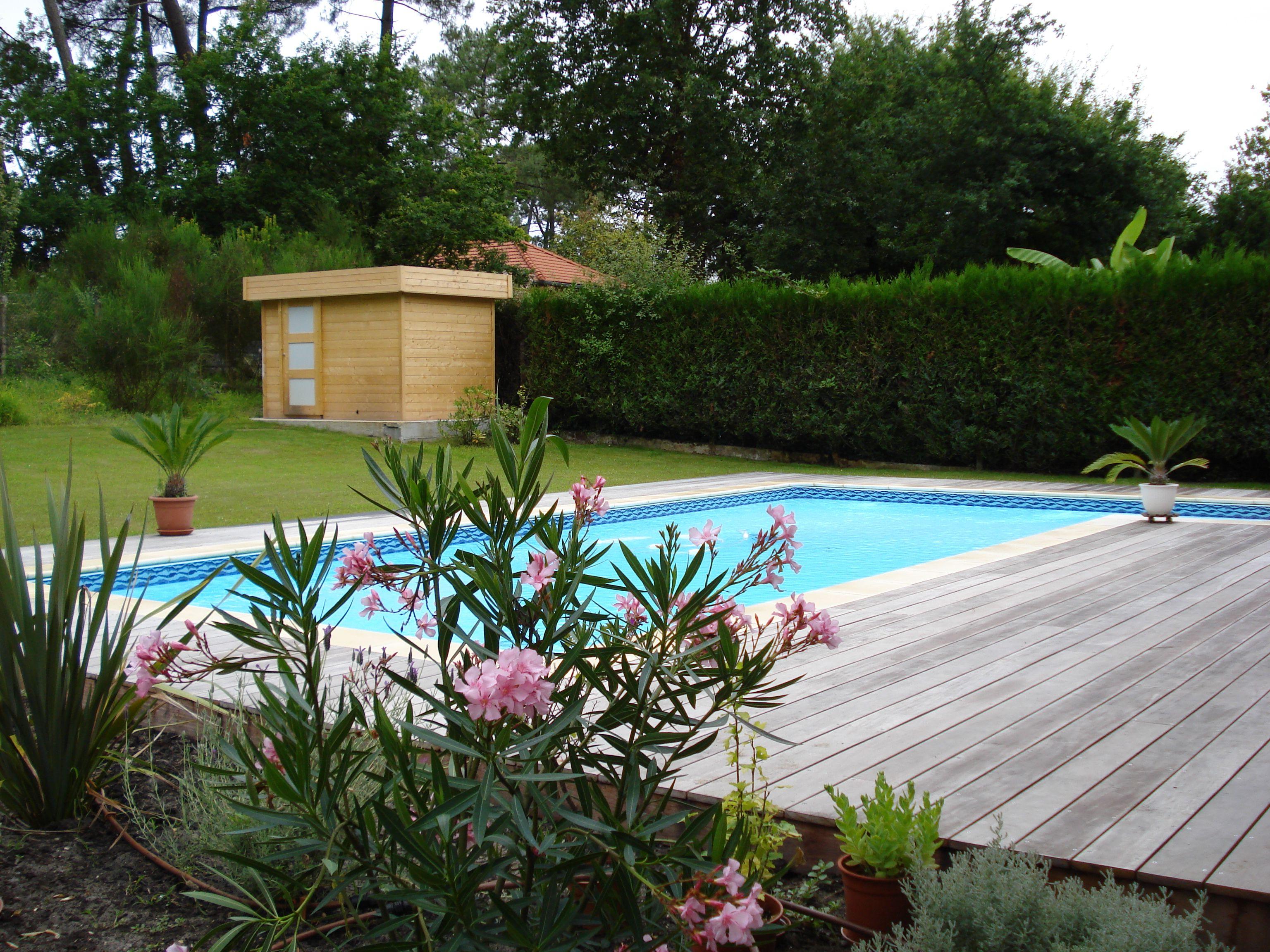Amazing Chalet En Bois   Andernos Les Bains   En Abri De Jardin Et Local