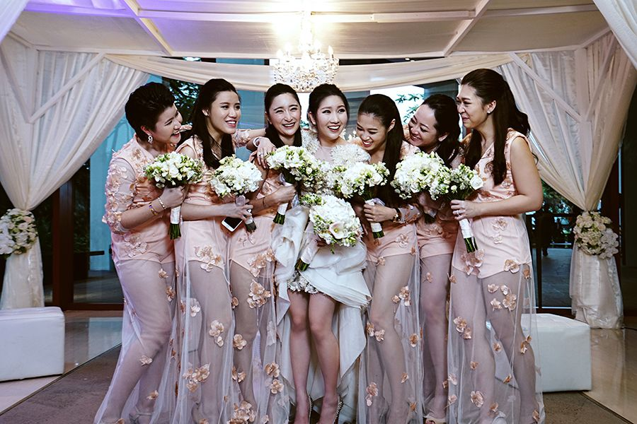 wedding reception photo booth singapore%0A Bridesmaids in pink sleeveless and shimmery sheer dresses    Godzilla and  King Kong ruled the photo booth at Chen Herng and Wei Wei u    s wedding at  Capella