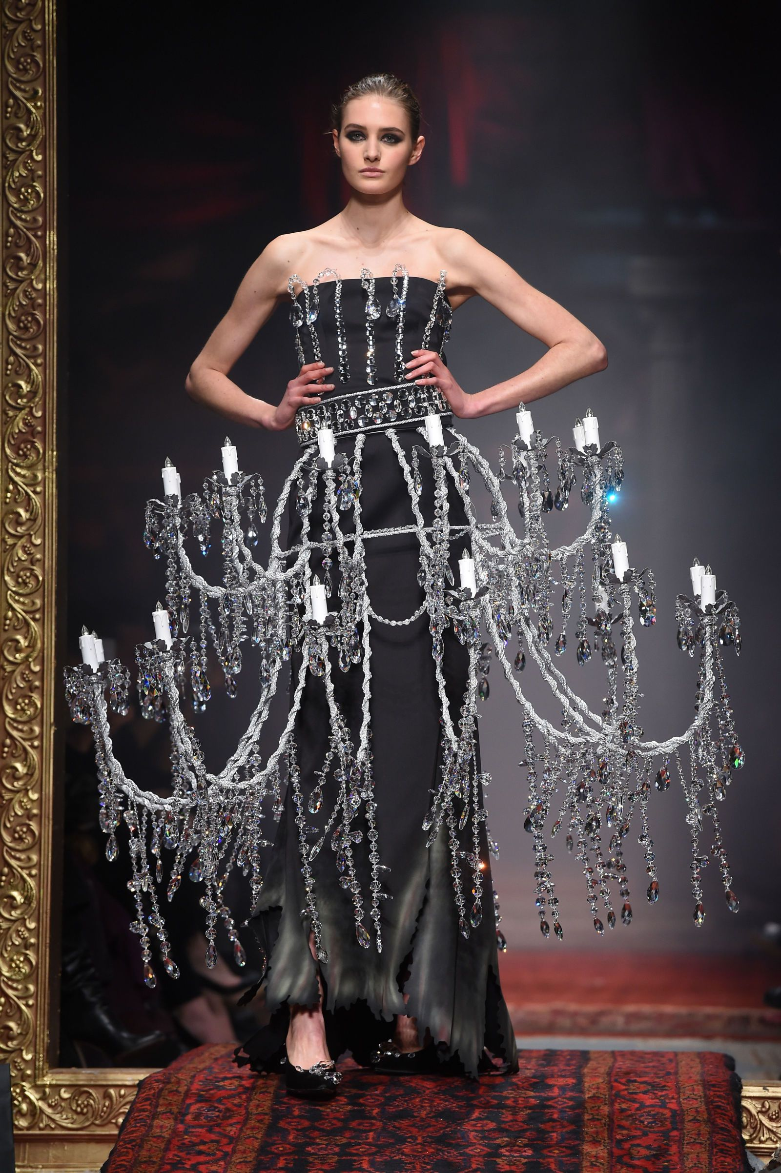 Moschino sent a literal chandelier down the runway because why as sias album 1000 forms of fear has been the soundtrack for so many arubaitofo Image collections
