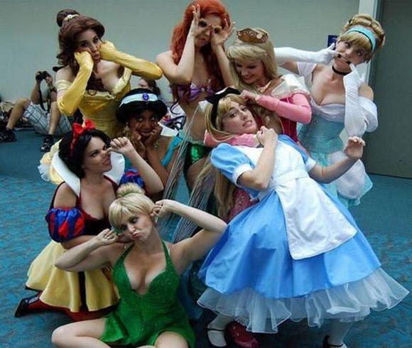 50-best-group-halloween-costume--large-msg-134914464734.jpg (580×490)