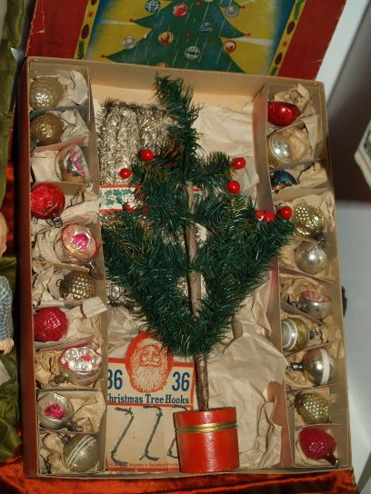 feather Christmas tree in original box with all the trimmingslove