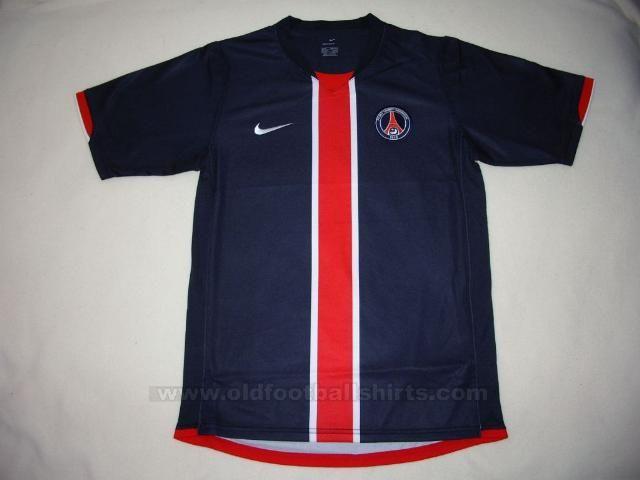 4fe2759914 A evolução dos uniformes  A camisa do PSG nas últimas 20 temporadas ...