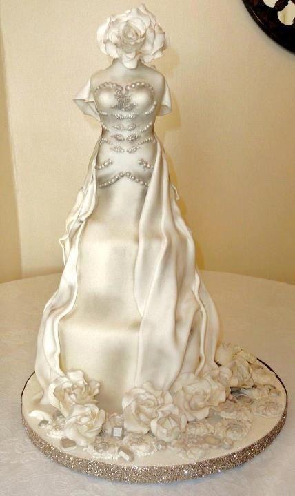 Sandra Perisa Cakes #weddingcake #wedding #luxurywedding #martrimonio #boda #casamento #mariage #nuptials #bride #bridal #sposa #noiva #novia #groom #sposo #noivo #novio