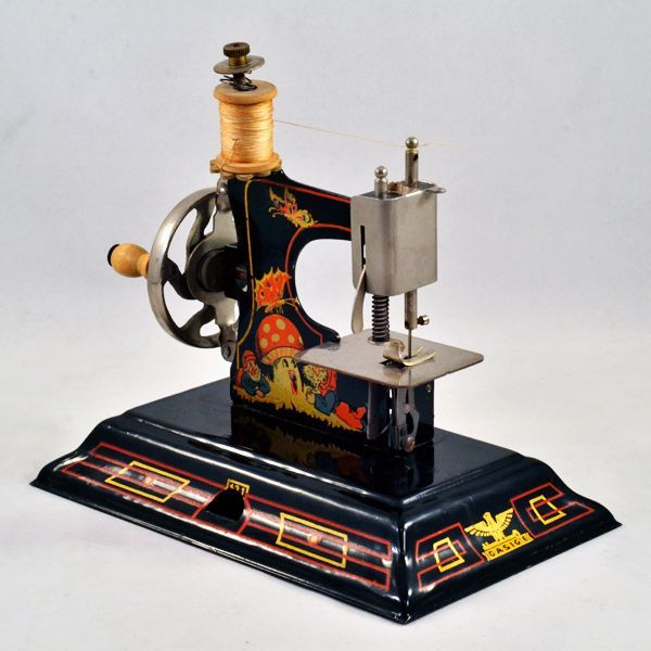 Darling German Casige Vintage Toy Tin Sewing Machine www.rubylane.com #vintagetoy