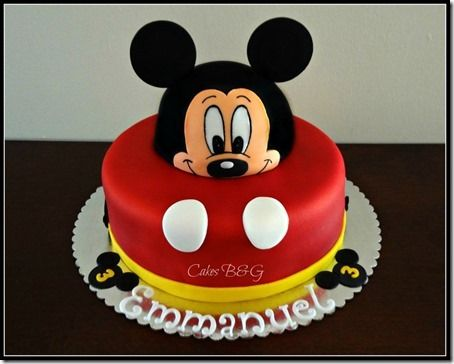 Mickey Mouse hat cake topper Make Your Wedding Cake More Playful