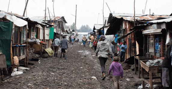 Poverty Is Growing In Kenyan Slums Poverty Africa Slums Kenyan Poverty