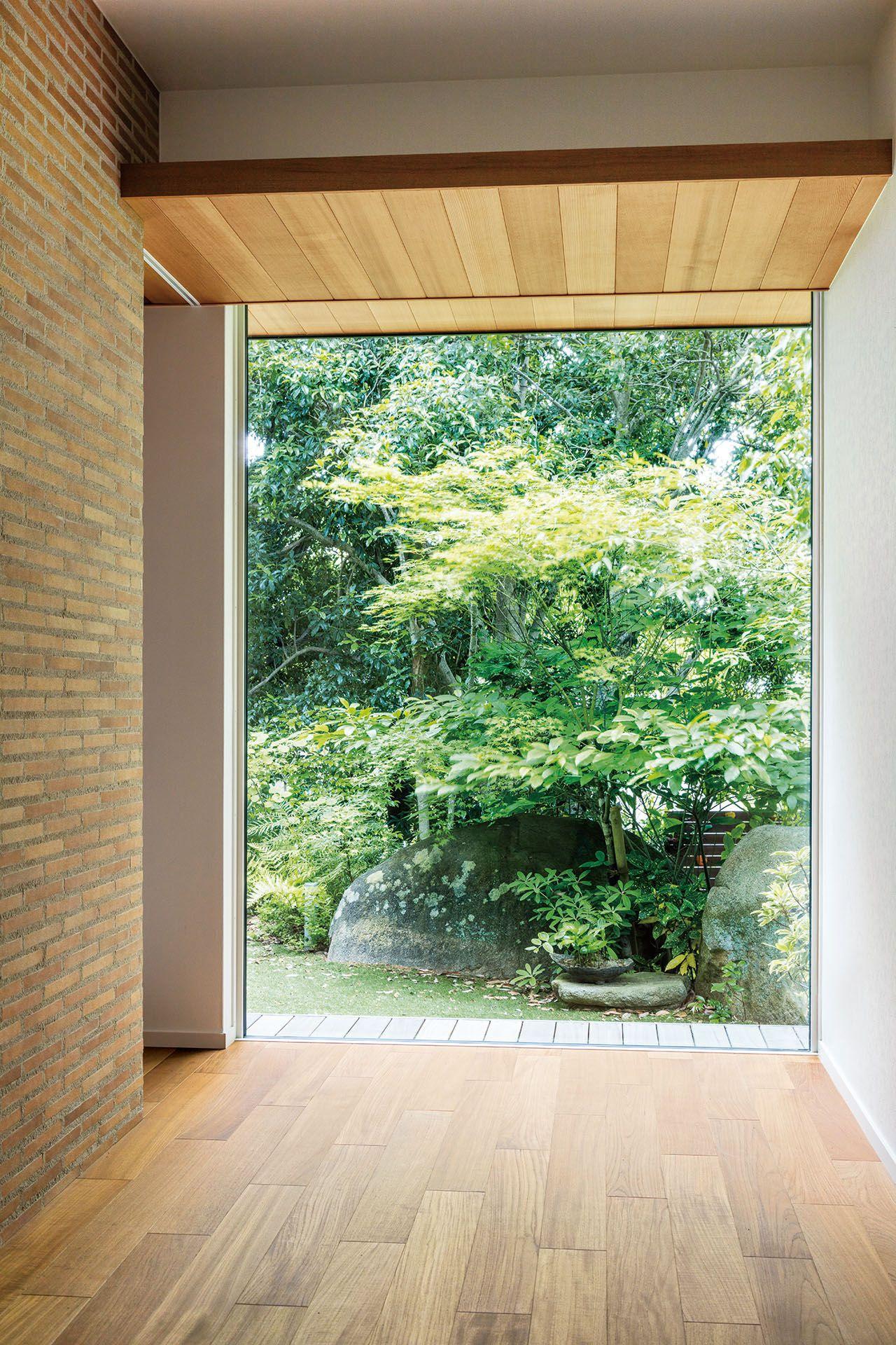 建物配置の工夫で実現した 雑木の庭を楽しむ暮らし 実例紹介