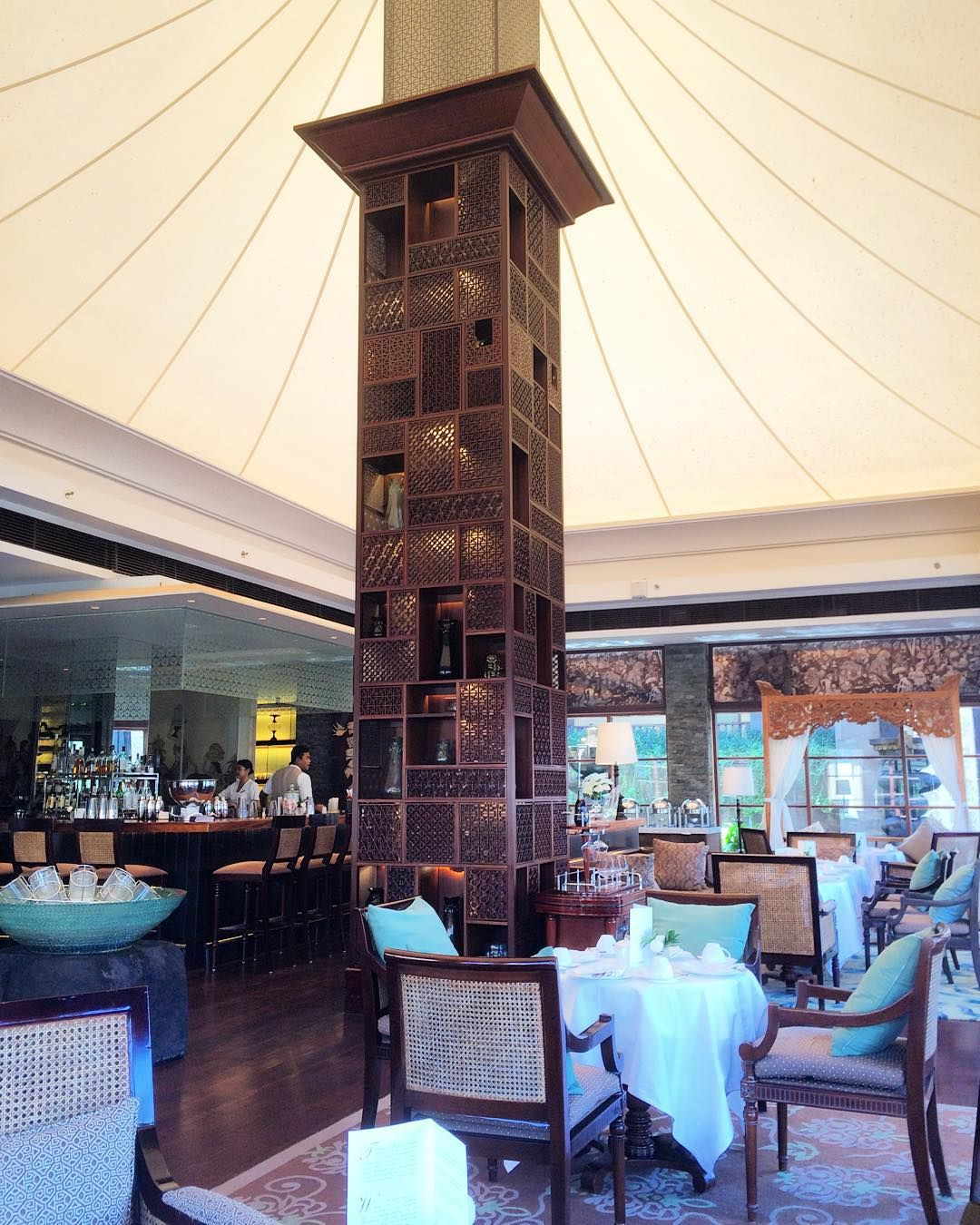 """""""Nothing to do this afternoon?  Enjoy the legacy of Afternoon Tea at our King Cole Bar @stregisbali @stregishotels #stregisbali #stregishotels…"""""""