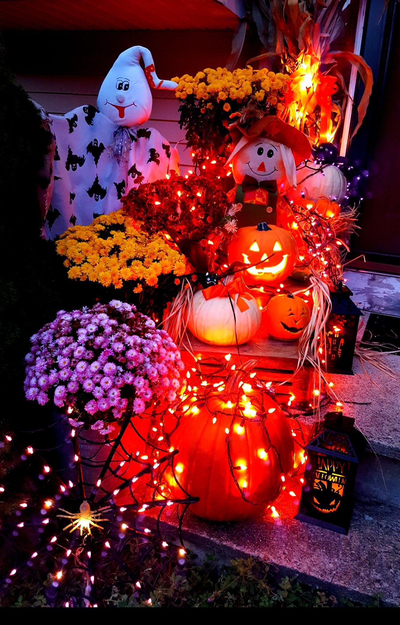 Outdoor Halloween decor Halloween outdoor decorations