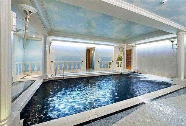 Interno piscina casa Mayfar