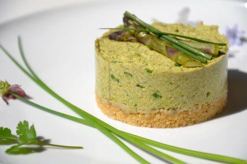 Cheesecake végétal aux asperges et à la ciboulette { Jeudi Veggie }