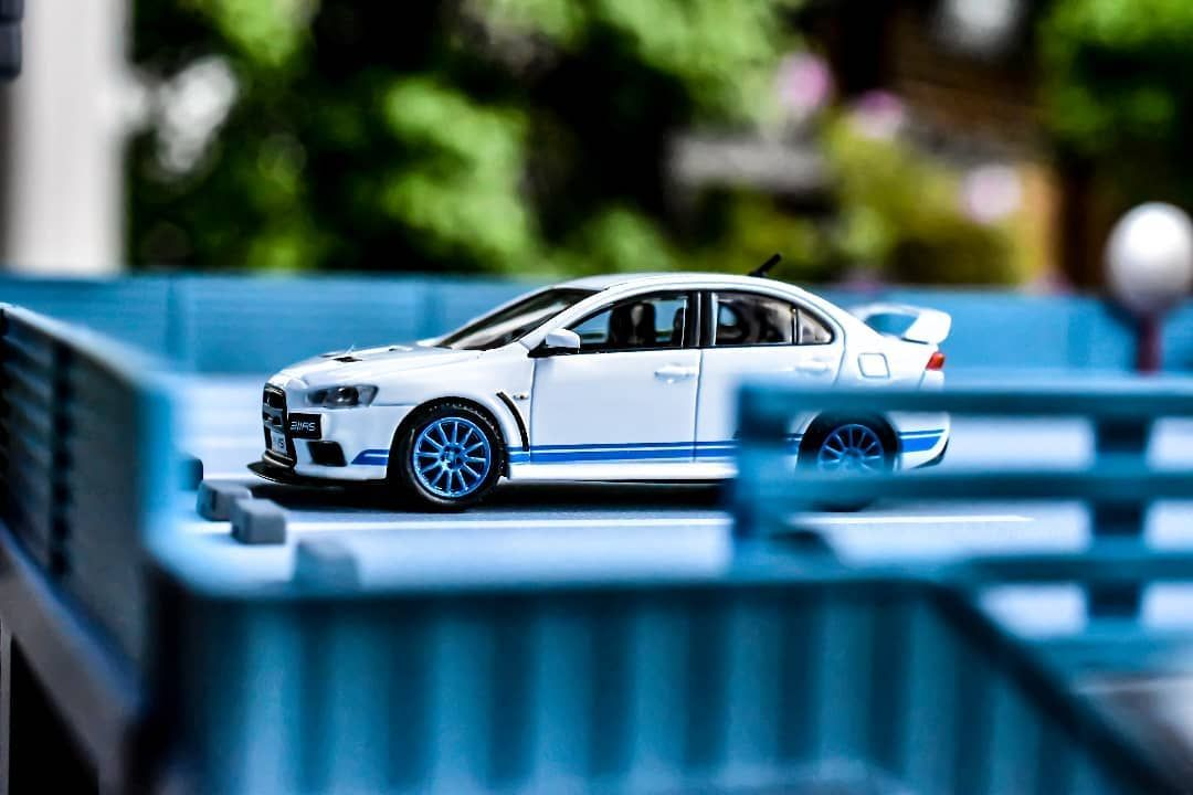 Hot or Not? 🤔 What do u think of this EVO? 🤩 🔹🔹🔹🔹🔹🔹🔹 Werbung /Tarmac Works Mitsubishi Lancer Evolution X 311RS- ROAD64 ➖➖➖➖➖➖➖ @tarmac.works @mitsubishimotorsofficial ➖➖➖➖➖➖➖ #hotwheels #hotwheelsmalaysia #hotwheelscollectors #hotwheelscollector #hotwheelsindonesia #hotwheelsaddict #hotwheelspics #hw #diecast #diecastcollector #diecastphotography #diecastcars #liveandletdiecast #164scale #tarmacworks #tarmac #mitsubishi #evo #diorama #hobby #collection #collector #toys #toycollector #ma
