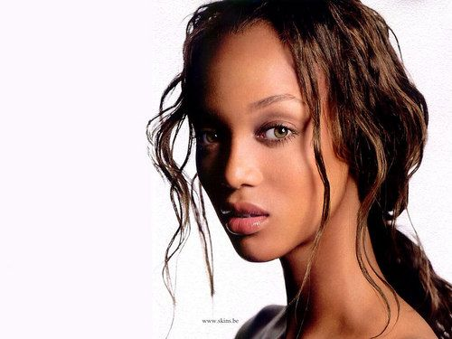87 Best Beauty Fashion Around The World Images On: Tyra Banks Is A Supermodel Famous In The 2000s. Currently