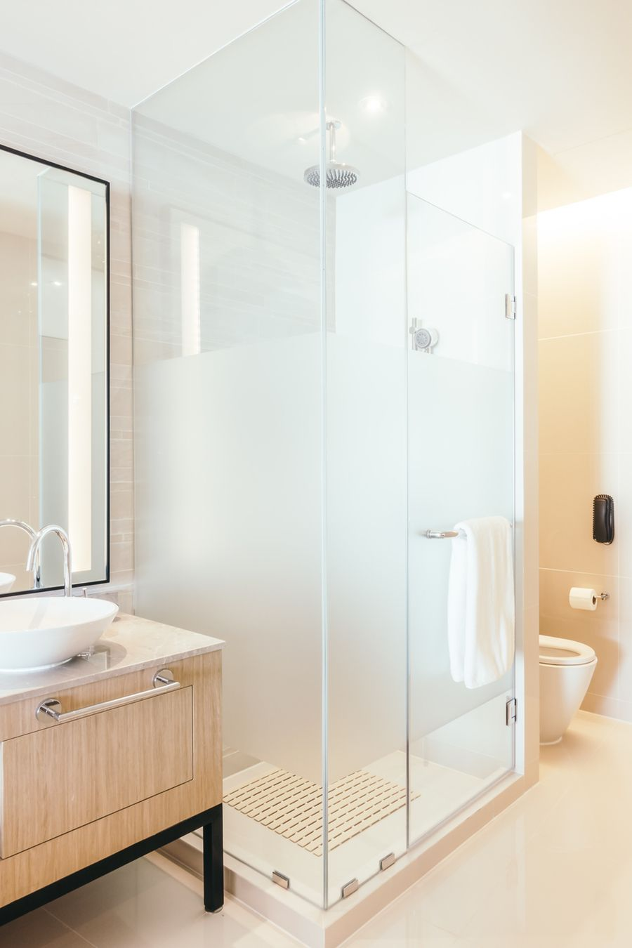 How To Choose Between A Tub And Shower For Your Bathroom With